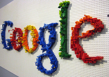 Google tips China searchers to hot-button terms